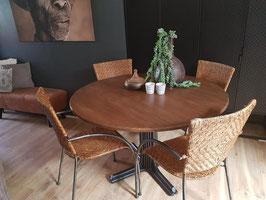 VERKOCHT - Tafel #09 - eettafel rond 120 cm industrieel 4 pers.