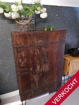 VERKOCHT - Kast #19 - Kast 81,5 cm breed vintage / industrieel
