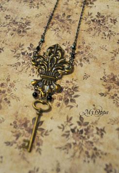 Collier fleur de lys steam