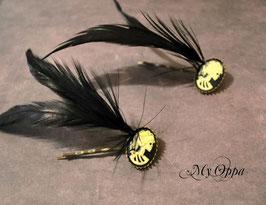 barrette camé tête de mort plumes