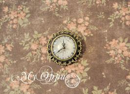 Broche cabochon montre