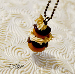 Collier religieuse choco chantilly sautoir