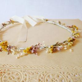 """Fine couronne de fleurs """"Camille""""."""