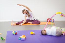 ONLINE YOGA postnatal - Beckenboden, Rumpf und Rücken
