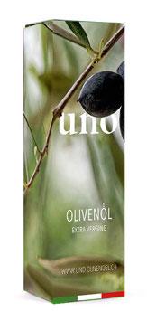 UNO – In Geschenk-Verpackung Nummer 1.