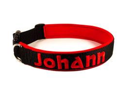 Klickhalsband bestickt schwarz-rot