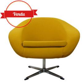 Fauteuil coquille pivotant design années 60