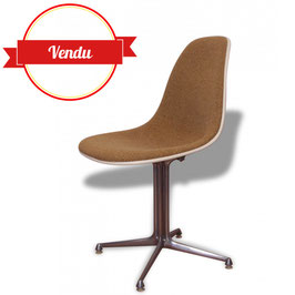 Chaise LA Fonda du duo Eames édition Herman Miller, Mobilier International