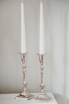 silberne Kerzenleuchter