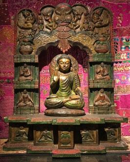 Schrein (Tempel) mit Buddha - Holz