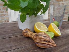 Zitronenpresse aus Olivenholz