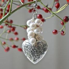 Herzcharm mit vielen Perlen