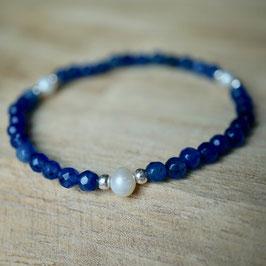 blaues Achatarmband mit Perlen
