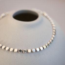 Silberarmband aus dicken Plättchen