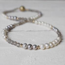 feine Perlenkette mit Achat