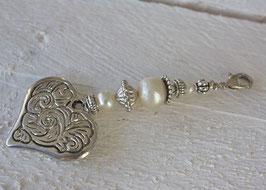 Herzcharm mit echten Perlen