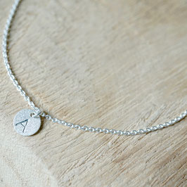 Silberarmband mit Initialen