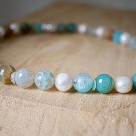 Perlenkette mit Achat in türkis