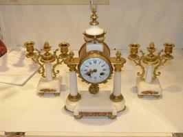 Pendule colonne bronze et marbre blanc