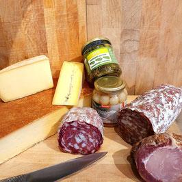 """Raclette """"2"""" pour 4 personnes - 3 fromages, charcuteries, petits oignons et cornichons"""