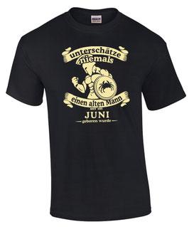 T-Shirt Sternzeichen Krebs UNTERSCHÄTZE NIEMALS EINEN ALTEN MANN DER IM JUNI GEBOREN WURDE