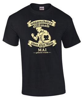 T-Shirt Sternzeichen Zwillinge UNTERSCHÄTZE NIE EINEN ALTEN MANN GEBOREN IM MAI