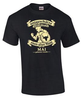 T-Shirt Sternzeichen Stier UNTERSCHÄTZE NIEMALS EINEN ALTEN MANN DER IM MAI GEBOREN WURDE