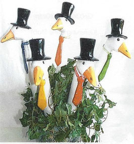 Gartenstecker Gänsehals  in Weiß mit Zylinder & Krawatte das Original von Tangoo