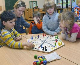 Spielbrett Quer durch 6-eckig ein Rausschmeisserspiel für 6 Spieler aus Holz