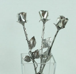 Bouquet de roses en étain