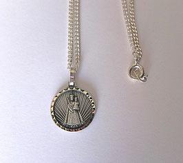 Le pendentif Vierge et enfant