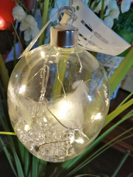 LED-Dekoei zum Hängen - innen mit Federn und Glasperlen