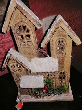 beleuchtetes Holzhaus - kleine Variante