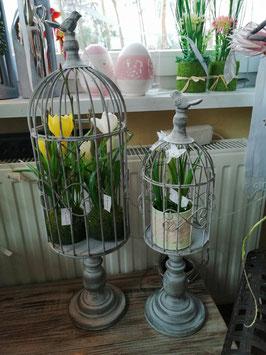 Vogelkäfig mit Fuß aus Metall für Blumentöpfe - hier im Bild rechts die kleine Variante