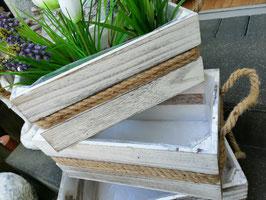 Pflanzgefäße aus Holz - cremeweiß - hier die große Variante