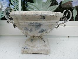 rustikale Gartenschale (kleine Varaiante) mit Metallhenkel - shabby