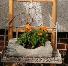 Wandhalterung mit Haken und Tablett für Blumen - antikfinish