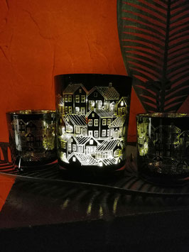 """Windlicht """"Stadt"""" schwarz-gold - hier im Bild mittig - große Variante"""