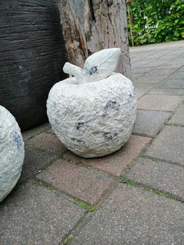 Gartenapfel in creme - antikfinish - Keramiksteingemisch