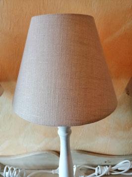 Fenster/Tischlampen im Landhausstil - hier Schirm sandfarben/natur