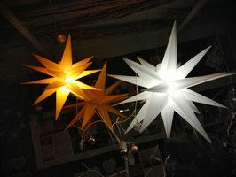 Leuchtstern, LED-Stern von Formano für den Innen- und Außenbereich - hier im Bild links kleine Variante