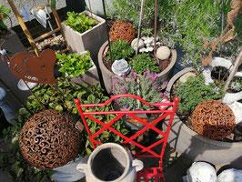 Gartenkugel klein Eisen rost - hier im Bild die kleine Variante - kommen wieder rein!!!!!