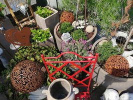 Gartenkugel Eisen rost - hier im Bild die große Variante, kommen wieder rein!!!!!!