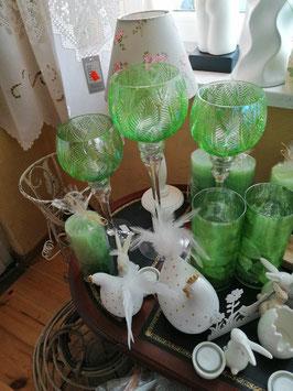 Glaswindlichter grüne Blätter, Perlmuttoptik (hier im Bild mittig die große Variante)