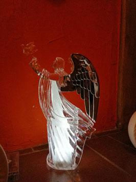 Engel aus Acryl mit silbernen Flügeln und LED-Licht