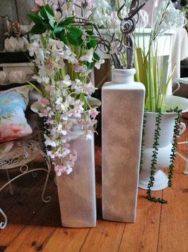Bodenvase grau/creme matt, viereckig - 1 Bild - hier links - kleine Variante