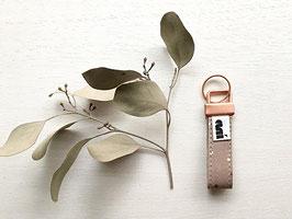 Schlüsselanhänger aus Leder, Braun/Kupfer