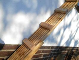 Klemmschellen mit Gummi! Treppe aus stabilem Douglasie-Holz!