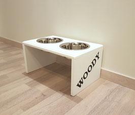 Hundefutterbar mit 2 Näpfen ( 2 x 750 ml), in weiß mit Namen an den Seiten