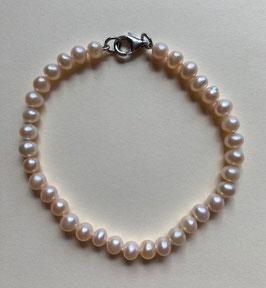 Süßwasserperlen  Armband, Perlen 4-5 mm Durchmesser, mit silberfarbigem Karabinerverschluss,   19 cm lang